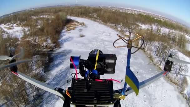 [BIDEOAK] Ukrainiar indar armatuek nola erasotzen dituzten Herri Milizietako lerroak DRONetaz baliatuz (2)