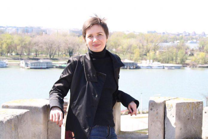 Entrevista a la escritora, poeta y periodista del Donbass Elena Zaslavskaya