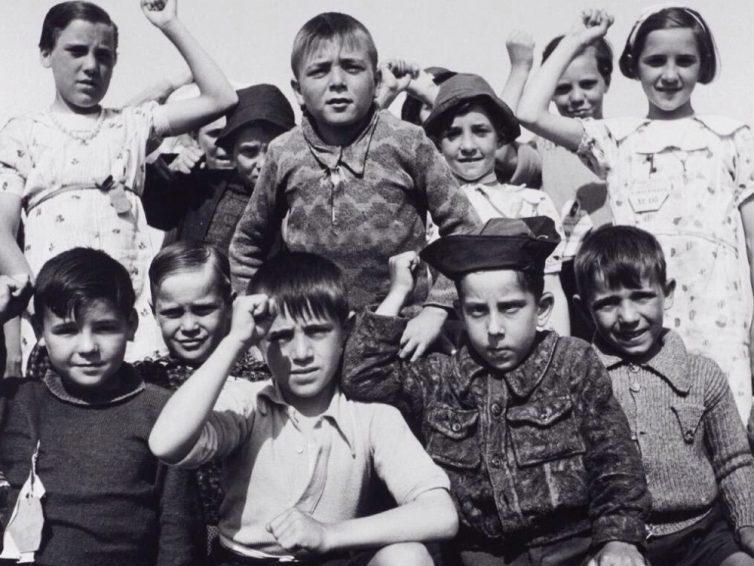 Leningrado, la ciudad que no se rindió al fascismo y la infancia vasca que la defendió