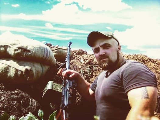 """Aidar"" ukrainiar bataloi neonaziko komandante bat hil da Donbassen"
