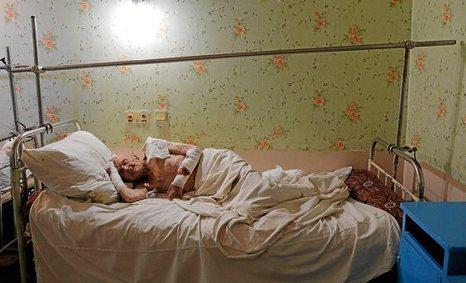 Donbasseko biztanleek sufritzen segitzen dute, gerra albistegietan agertu ez arren