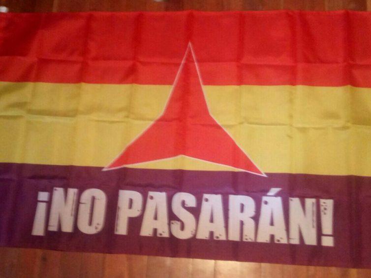 [DENDA – Tienda] II Errepublikako bandera antifaxista-internazionalista / Bandera antifascista e internacionalista de la II Republica