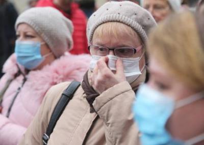 La epidemia del coronavirus causa el caos en el transporte de Ucrania mientras que en las repúblicas del Donbass se mantiene la calma dentro de la alerta